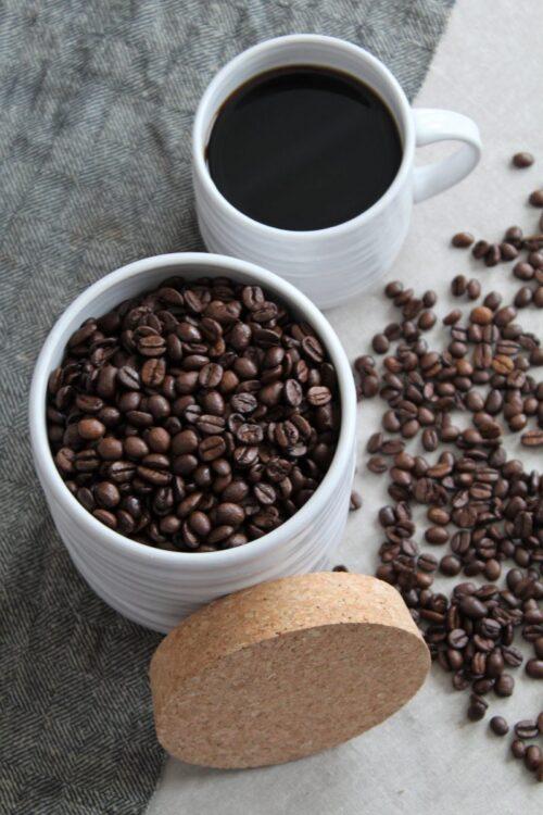 Keraaminen kahvipurkki